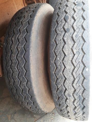 Vendo 8 pneus 10.00 por 20