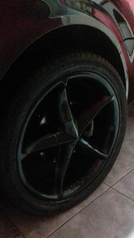 Jogo de rodas aro 18 rodas novinhas sem detalhe algum e pneus em ótimo estado