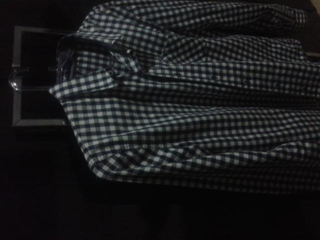 Vendo camisa xadrez preta e azul e vermelha aleatory e hering
