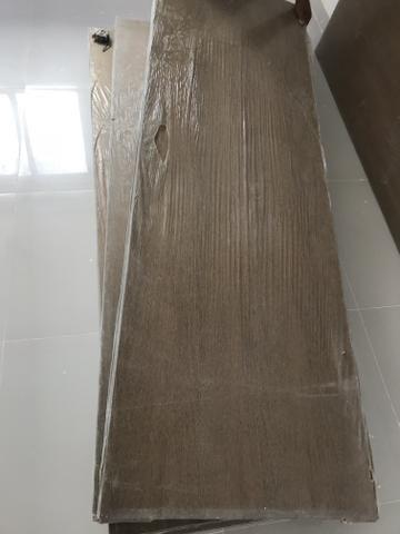 Porta com fechadura e dobradiça 60/70cm