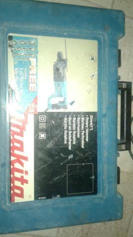 Martelete Makita HR 2450 (U.S.A) 110 volts completa com maleta