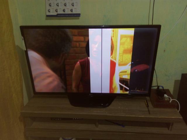 Vendo tv com defeito
