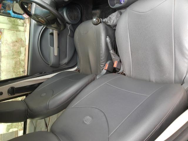Fiat uno em perfeito estado, licenciamento em dias, sem multas, e dois pneus novos - Foto 8