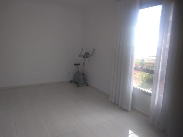 Aluga-se apartamento de 2 suítes na Av Soares Lopes - Foto 4