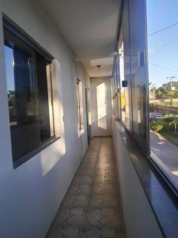 Apartamento de 2 qts, porcelanato, 1 andar em frente a pista no Setor de Mansões de Sobr - Foto 2