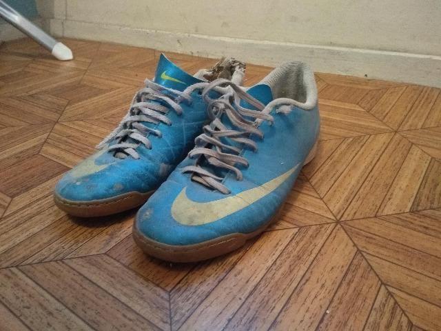d80dca110e332 2 Chuteiras Futsal - Nike e Adidas - Roupas e calçados - Industrial ...