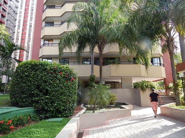 Lindo 2 qts com suite no melhor ponto da Barra da Tijuca - Foto 2