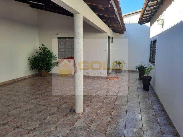 Casa para Venda em Uberlândia, Cidade Jardim, 3 dormitórios, 1 suíte, 3 banheiros, 3 vagas - Foto 17