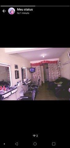 vende-se um salão de cabeleireiro com freguesia de 30 anos.