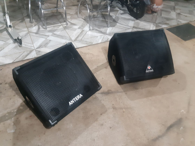 Caixa de som Antera P.A ou retorno