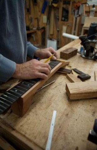 Luthieria aeroporto/ manutenção em instrumentos musicais de cordas em geral  - Foto 2