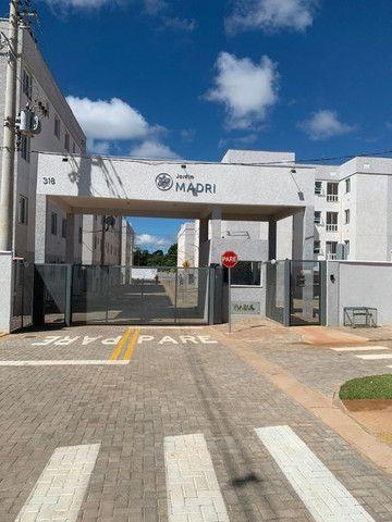 """Alugo apartamento """"novo"""" no condomínio """" Jardim de Madri - Bloco com elevador"""