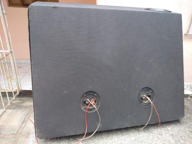 Vende-se caixa de som de carro em perfeito  estado por 300 à vista - Foto 3
