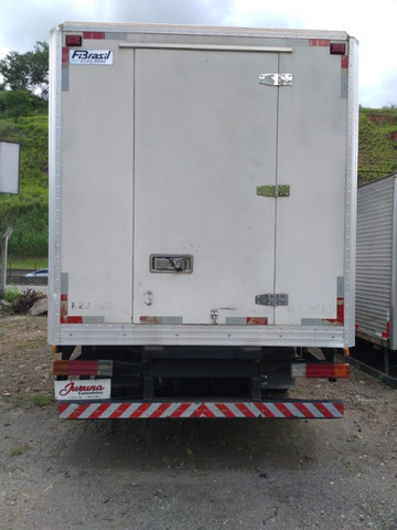 Mb 710 ano 2006 refrigerada - Foto 4