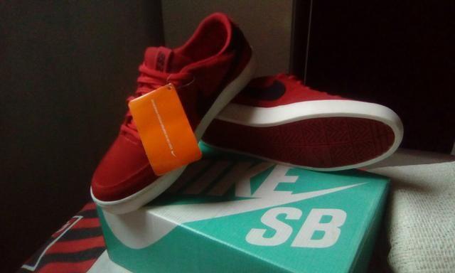 Vendo Nike SB novo