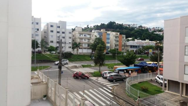 Apartamento 02 Dormitório Abraao + 01 vaga e sacada - Florianopolis