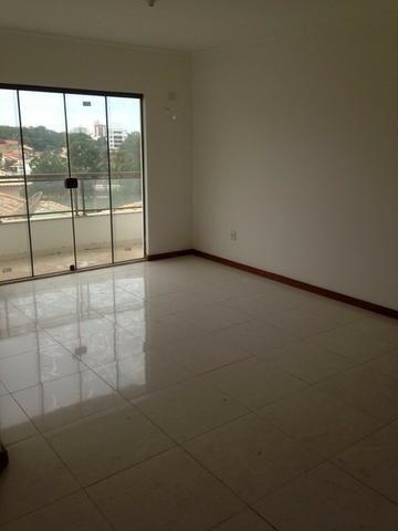 Bairro da Glória - Apartamento 1ª locação, em prédio novo com 03 quartos (01 suíte)