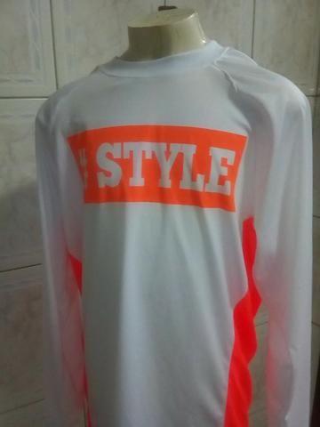 Camisa de Proteção Solar ( Tamanho M ) Produto Novo e embalado