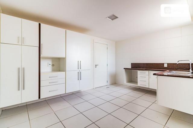Apartamento com 200m² e 3 quartos - Foto 19