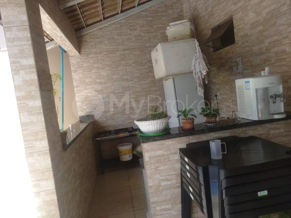 Casa sobrado com 5 quartos na Vila Santa Helena em Goiânia - Foto 19
