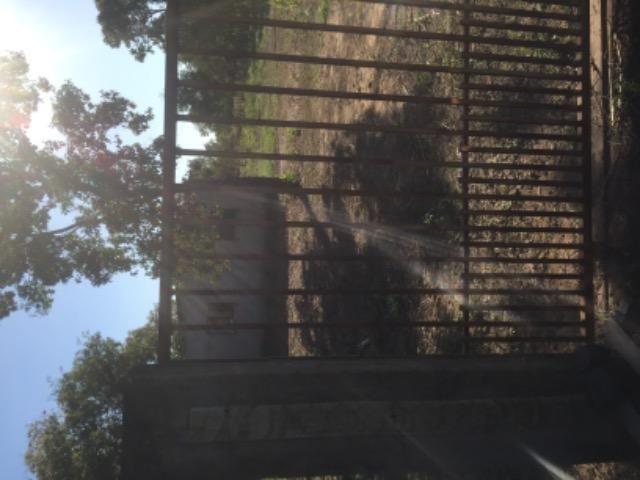Chácara na estrada de Santo de Leverger.a 2 km da estrada
