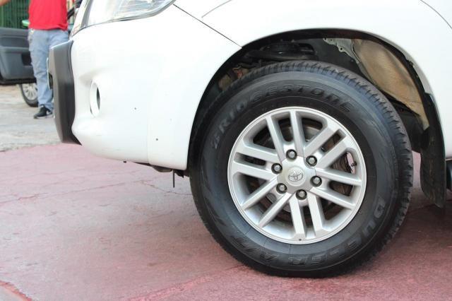 Toyota Hilux CD SRV D4-D 4x4 3.0  TDI Dies - Foto 12