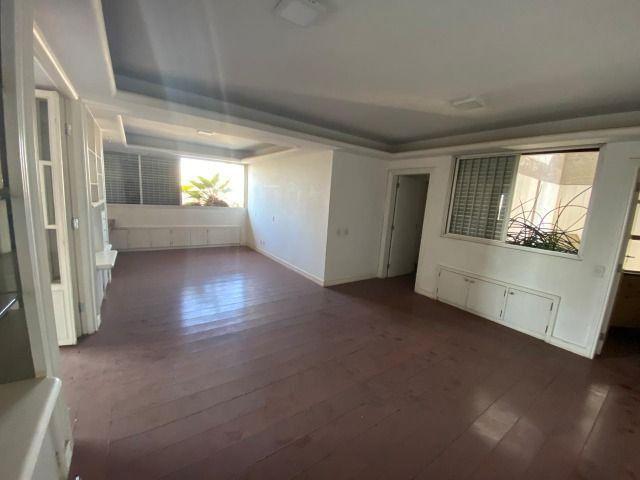 Apartamento possui 202 metros quadrados com 4 quartos em Setor Bueno - Goiânia - GO - Foto 15