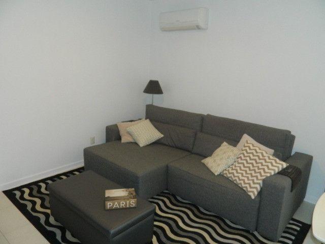 Capoeiras 2 dormitórios com muito espaço , suíte e sacada com garagem - Foto 4