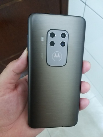 Motorola one zoom - Foto 2