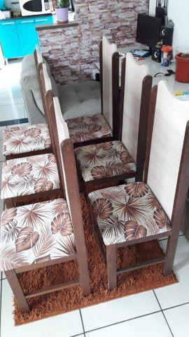 Vende se 6 cadeiras de madeira maciça( sucupira ) - Foto 2