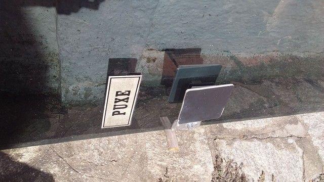 Porta de vidro com ferragem completa - Foto 5