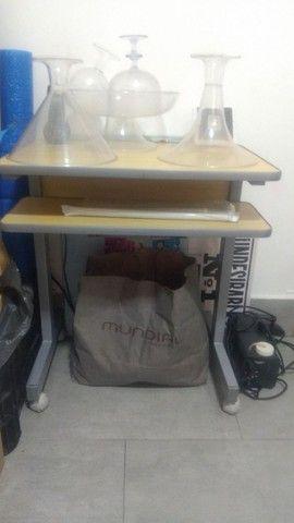 Mesa com gaveta - Móveis de Escritório - Foto 3