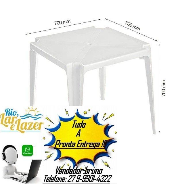 mesa 70x70 de plastico
