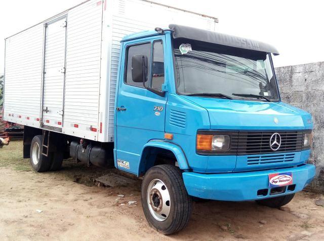 M. Benz 710 - Pop Veículos