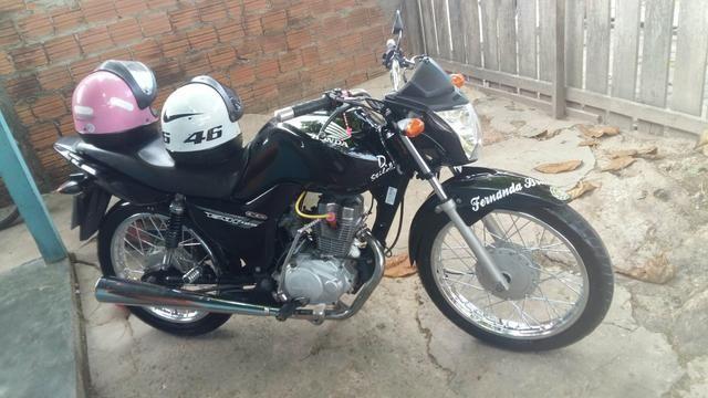 Vendo moto Fan 150 ano 2014 pedal ks