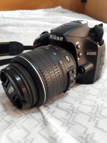 Câmera Nikon DSRL D3200