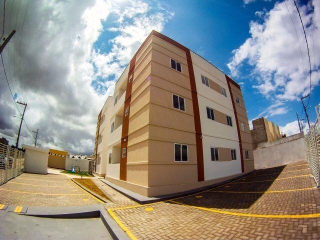 Excelente apartamento, pronto para morar, com varanda e documentação gratis