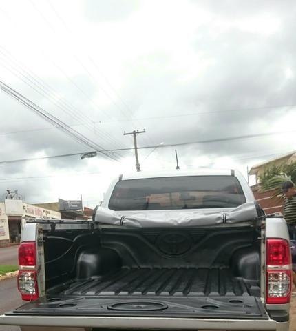 Vendo Toyota Hilux ano 2012 - Foto 2
