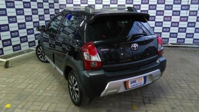 TOYOTA ETIOS CROSS 1.5 16V FLEX 4P MANUAL. - Foto 3