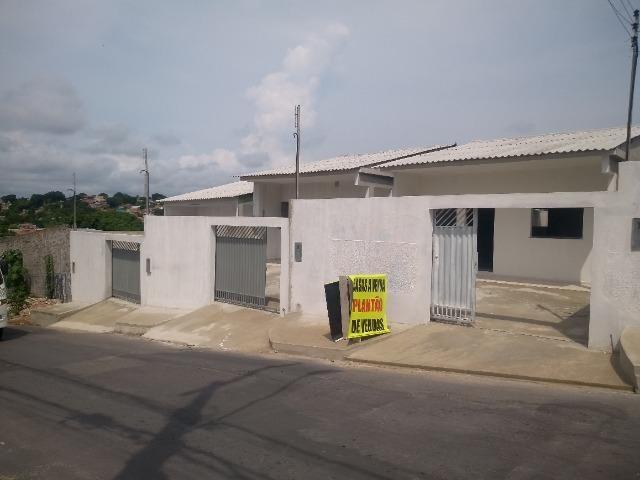 Casas em rua pública, 2 QTS (1 suíte), 2 vagas, área externa, prox ao shop. sumauma - Foto 3