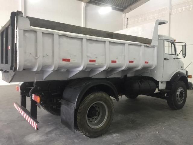 Vendo caminhão MBB 1313 caçamba - Foto 4