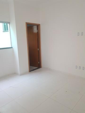 Linda casa com 2/4 sendo uma suite ,banheiro social ,sala ampla . vem conferrir - Foto 4