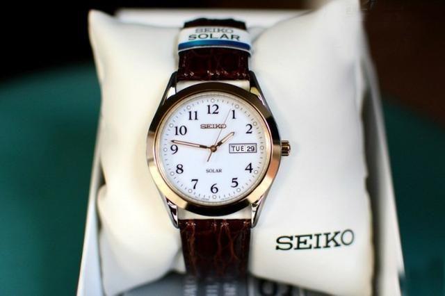 6f71bc7ccbe Relógio Unisex Seiko Solar Modelo Sne056 Tamanho 37 Couro ...