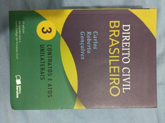 Vendo livro de direito civil