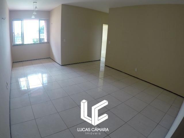 Apartamento do Lado do Shopping Parangaba, 3 quartos, todo reformado, Confira.! - Foto 3