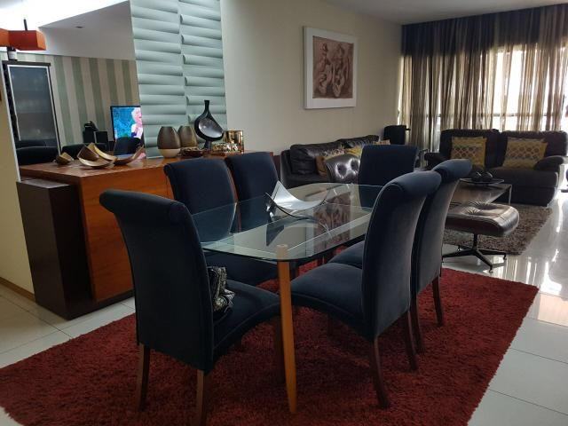 Apartamento na Ponta Verde ( 138 M2 )