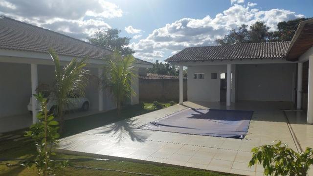 Samuel Pereira oferece: Magnífica casa térrea no Condomínio Mansões Entre Lagos com lazer - Foto 6