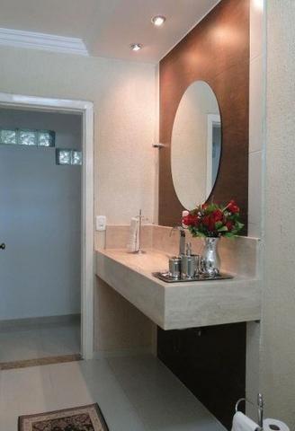 Samuel Pereira oferece: Magnífica casa térrea no Condomínio Mansões Entre Lagos com lazer - Foto 17