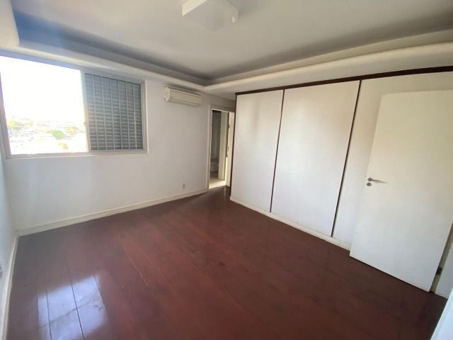 Apartamento possui 202 metros quadrados com 4 quartos em Setor Bueno - Goiânia - GO - Foto 13
