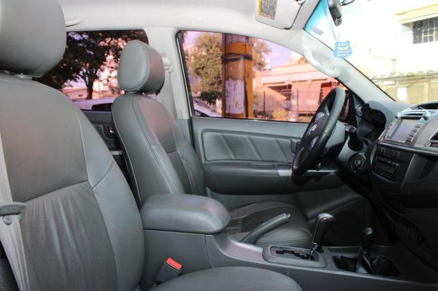 Toyota Hilux CD SRV D4-D 4x4 3.0  TDI Dies - Foto 6